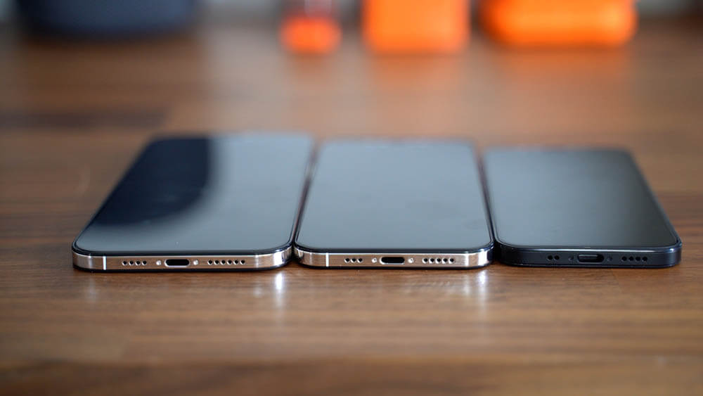 Nový iphone 12 ze spodu s lightning konektorem nebude mít usb-c konektor